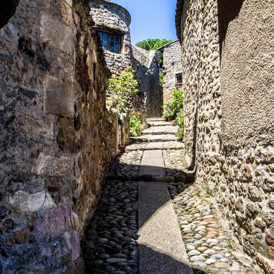 Ruelle de Charmes-sur-Rhône